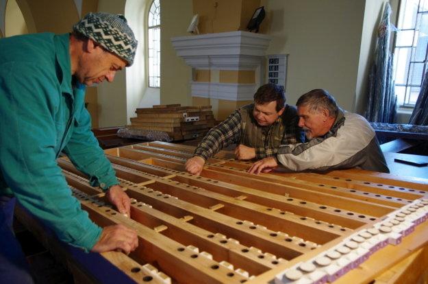 Generálna rekonštrukcia organa vevanjelickom kostole vroku 2011.