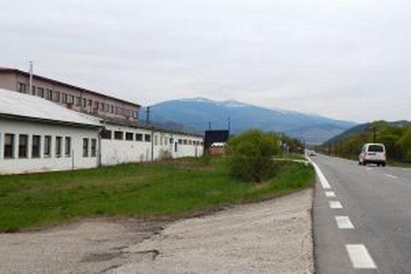 Objekty priemyselného areálu pred rekonštrukciou.