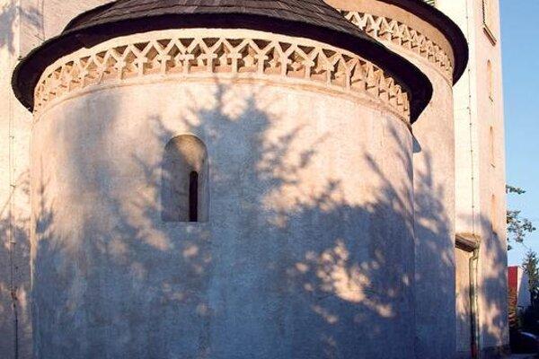 Rotunda v Križovanoch nad Dudváhom.