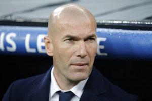 Zinedine Zidane je bývalou hráčskou hviezdou, dnes trénerom Realu.