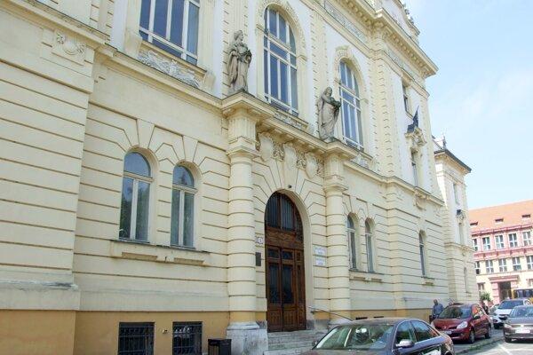 Okresný súd potvrdil, že pozemok patrí mestu.