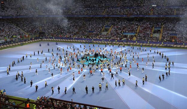 Ceremoniál pred finále LM bral dych.