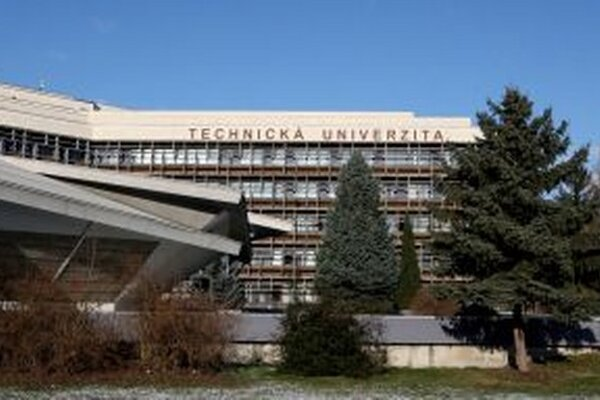 Technická univerzita vo Zvolene.