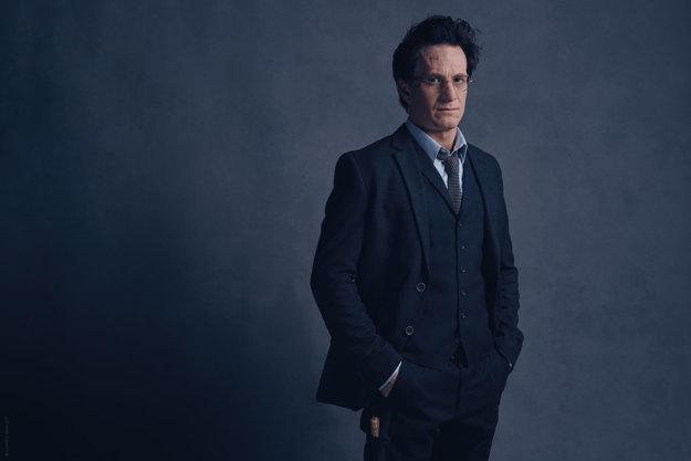 Herec Jamie Parker ako dospelý Harry Potter.