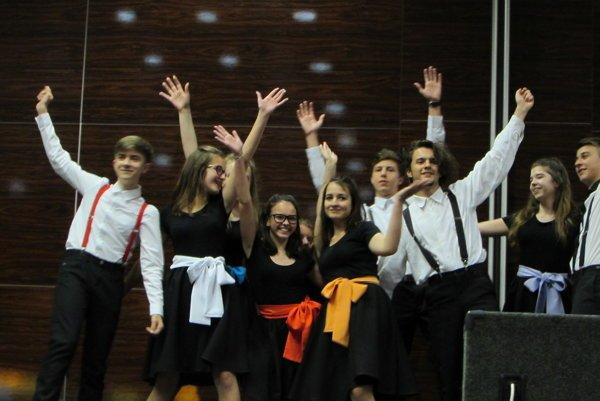 Žiaci si nacvičili hudobné, tanečné i dramatické čísla.