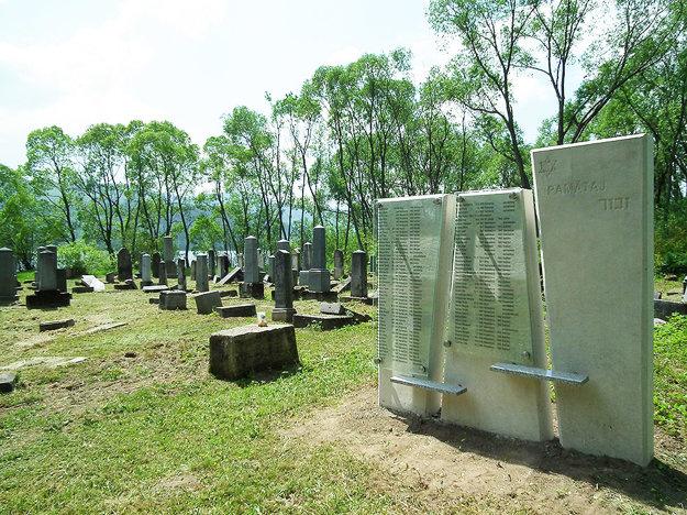 Námestovský židovský cintorín sa nachádza pri Oravskej priehrade.