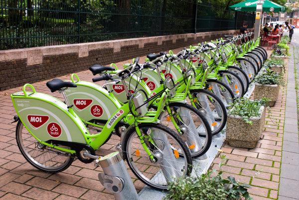 Požičiavanie bicyklov je bežné vo veľkých mestách, napríklad aj v Budapešti.
