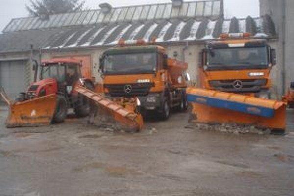 V Žilinskom kraji je na zimu pripravených 113 sypačov, 8 snehových fréz, 14 traktorov s radlicou a 24 nakladačov.