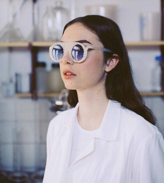 Vlasta Kubušová (Slovensko), autorka okuliarov, ktoré sa rozložia v komposte.