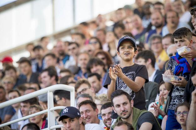 Obyvatelia Vichy, ako aj blízkeho okolia sa prišli pozrieť na najlepších futbalistov zo Slovenska.