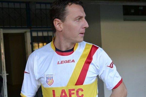 Tréner Tomáš Boháčik si musel opäť obliecť hráčsky dres LAFC.