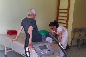 Fyziatricko-rehabilitačné oddelenie je umiestnené v priestoroch očného pavilónu.