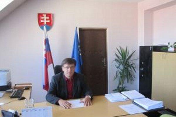 Riaditeľ Úradu práce, sociálnych vecí a rodiny Čadca  Miroslav Mareček hovorí, že organizačná reforma zmenila organizačné útvary a ich náplne.