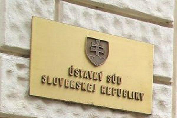 Ústavný súd Slovenskej republiky zaregistroval 100 sťažností na nezákonnosť a neústavnosť komunálnych volieb.