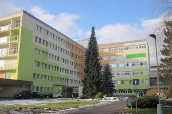 V Kysuckej nemocnici riešia problém s bezdomovcami aj s pomocou bezpečnostnej služby.