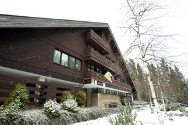 Kľúče od obecného úradu v Demänovskej Doline má stále nelegitímny starosta.