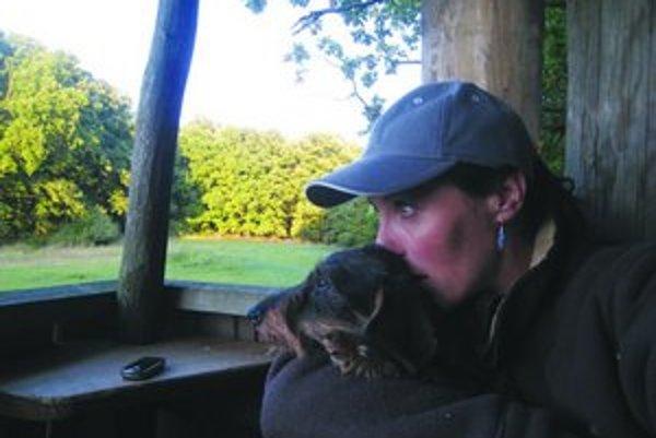 Stretnutie s medveďom bolo pre milovníkov prírody zážitkom.