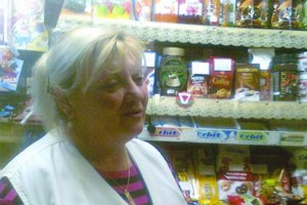 S nízkou predajnosťou sa pasujú aj v predajni v Boroch.