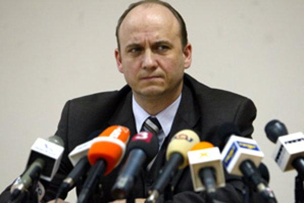 Akciu Špak riadil policajný viceprezident Jaroslav Spišiak. Hoci prokuratúra je presvedčená, že má vinníka, súdy na východnom Slovensku podozrivého oslobodili.