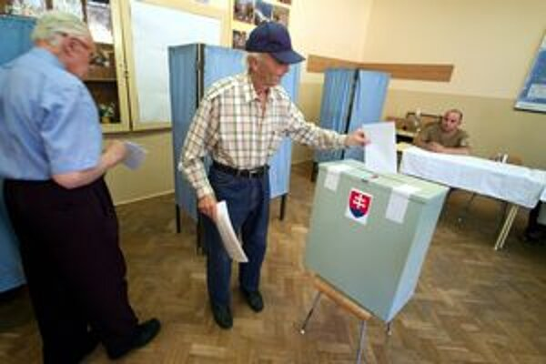 Volebné miestnosti sa znova otvoria 10. marca.