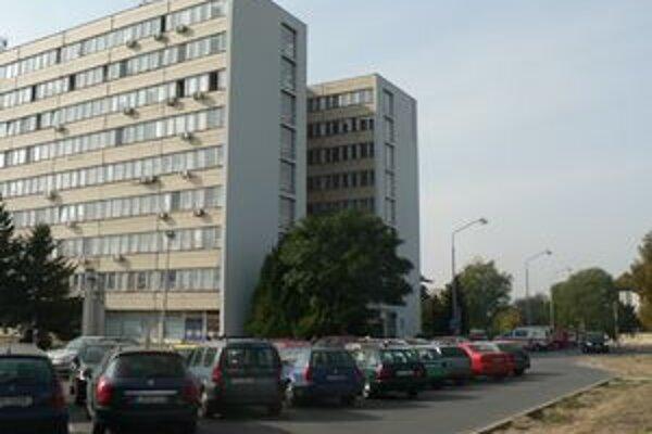 Dlhy levickej nemocnice narastajú predovšetkým pre vykurovanie.