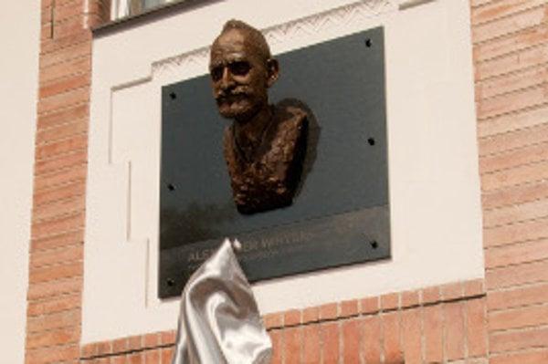 Súčasťou slávnosti bolo v prvý deň stretnutia odhalenie busty Alexandra (Sandora) Wintera pred hotelom Sandor Pavillon.