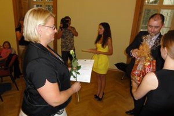 Jednou z ocenených výnimočných žien Nitrianskeho kraja je aj Levičanka Renáta Dobrovolná.