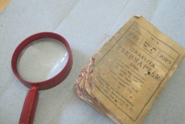 Po zakladacej listine synagógy pribudol v zbierke múzea aj židovský kalendár. Našli ho pri rekonštrukcii.