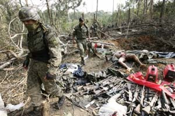 Kolumbia sa dostala pod paľbu kritiky za to, že proti rebelom zaútočila v Ekvádore.