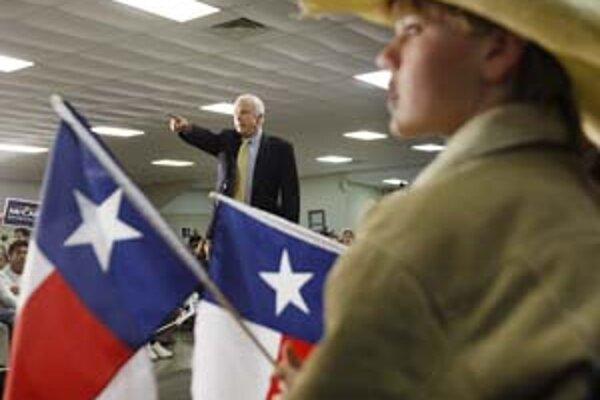 Včerajšie primárky v Texase a Ohiu McCaina až tak nezaujímali.