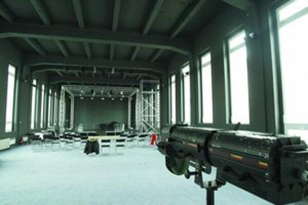 Nový divadelný priestor pred dokončením.