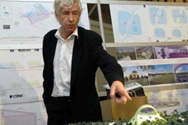 Jan Kaplický (1937) ukončil štúdium architektúry na pražskej Vysokej škole umelecko- -priemyselnej v roku 1962. Od roku 1968 žije vo Veľkej Británii. V rokoch 1969 - 1971pôsobil v architektonickom ateliéri Denys Lasdun and Partners, neskôr v ateliéri Renz