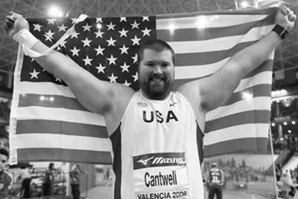 Christian Cantwell sa stal po štyroch rokoch zasa halovým majstrom sveta.