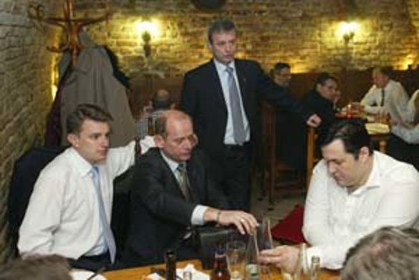 Bratislavskí mestskí poslanci (zľava) Branislav Zahradník, Ján Hanko, Valentín Mikuš a Gerti Duni.