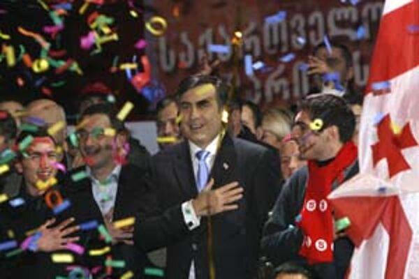 Michail Saakašvili oslavuje úspech.Od začiatku veril, že vyhral.