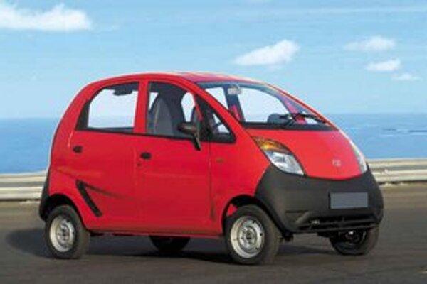 Indická automobilka Tata Motors predstavila najlacnejšie auto na svete, ktoré sa bude predávať za 2500 dolárov (asi 57tisíc korún).