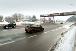 Severný cestný obchvat ústi na ceste Banská Bystrica – Donovaly.
