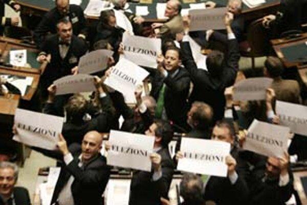 Mastella opustil taliansku vládu, opoziční poslanci žiadajú predčasné voľby.