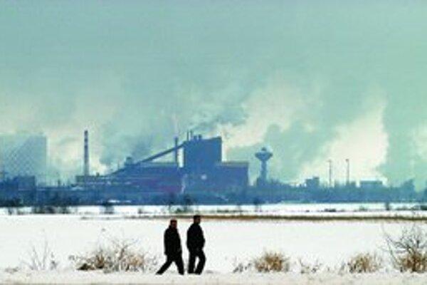 Podniky by si od roku 2012 mali možnosť CO2 kupovať na burze. Štáty im ju už nedajú zadarmo.