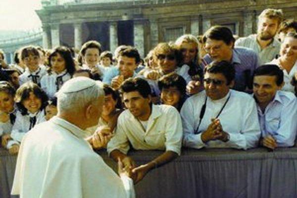 O stretnutí s pápežom sa ŠtB dozvedela z fotky.