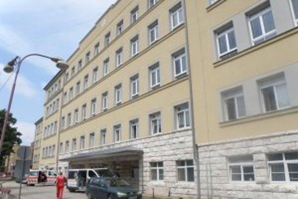 Prostredníctvom skalickej nemocnice chce spoločnosť Grafobal získať ďalšie dve nemocnice v kraji.