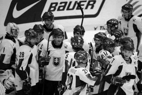 Hokejisti Slovenska sa na juniorských MS s prehľadom zachránili medzi elitou, avšak dvere do play off zostali pre nich opäť zatvorené.