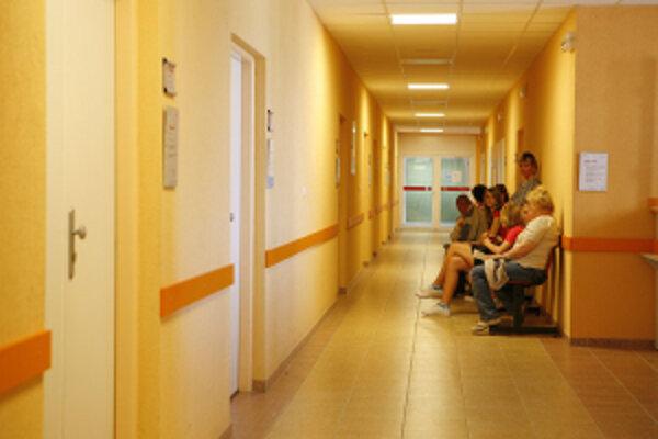 Nemocničná, a.s. sa zaviazala, že v priebehu jedného roka nemocnicu zrenovuje.