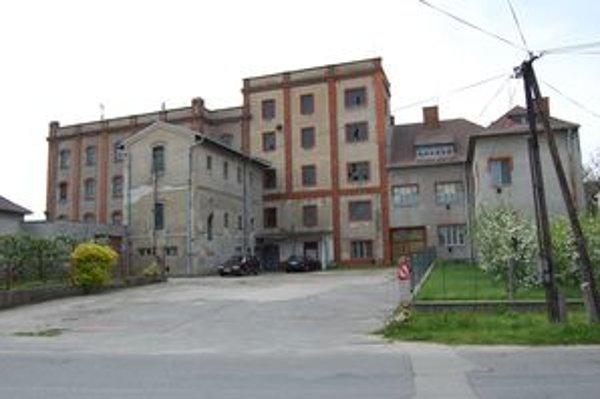 Mlyn je najrozšírenejšou technickou pamiatkou Záhoria. Parný mlyn v Gbeloch patrí k tým najzaujímavejším objektom, ktoré zatiaľ neboli vyhlásené za národnú kultúrnu pamiatku.