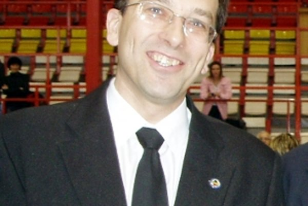 Jaroslav Rehuš rozhoduje najvyššie súťaže na Slovensku aj v Česku.