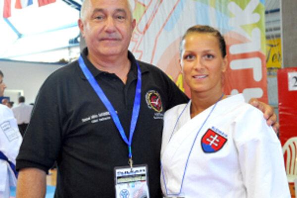 Erika Hrušecká so svojim trénerom Miriom Manninim.