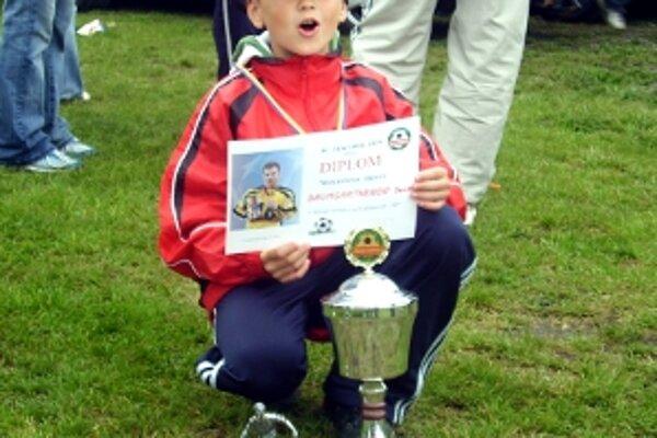Najlepším hráčom turnaja mladších žiakov bol Seničan Denis Baumgartner.