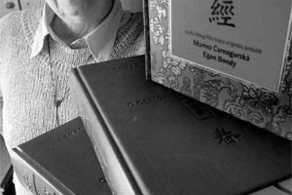 Marina Čarnogurská (1940) - po zákaze nástupu na vysokú školu pre minulosť otca, poslanca z obdobia slovenského štátu, sa na štúdium čínskeho jazyka a filozofie na Filozofickej fakulte Karlovej univerzity v Prahe dostala až počas liberalizácie pomerov v r