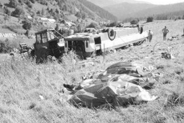 Autobus sa pohol napriek tomu, že vodič zatiahol ručnú brzdu. Podľa súdu je preto nevinný.