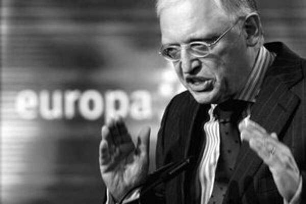Európska komisia je s takýmto spôsobom zdaňovania áut spokojná, čo Nemecku tlmočil komisár Günther Verheugen.